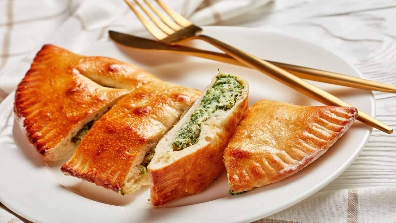 calzone-con-cipollotto-e-pecorino-ricettasprint