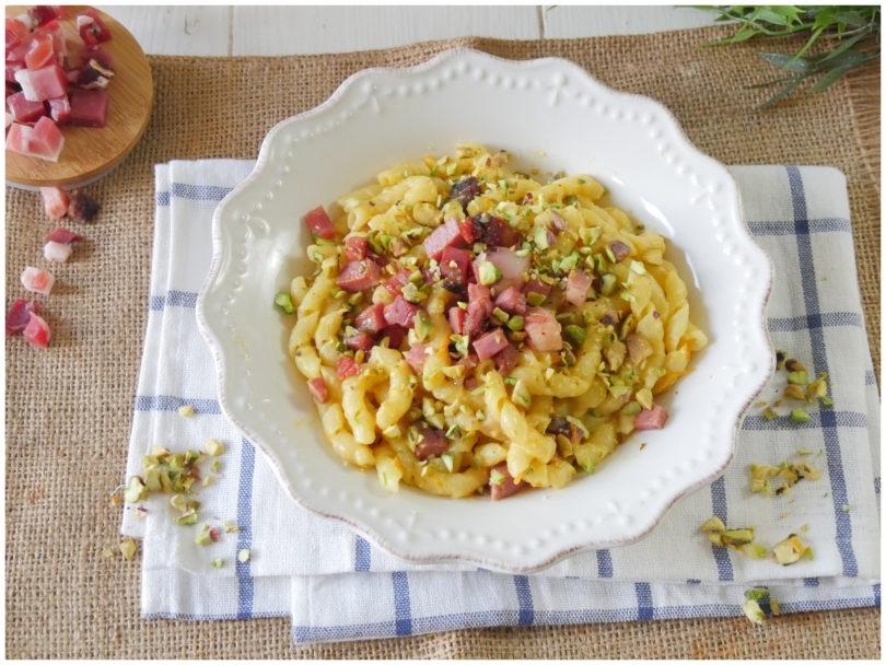 pasta-con-speck-e-pistacchi
