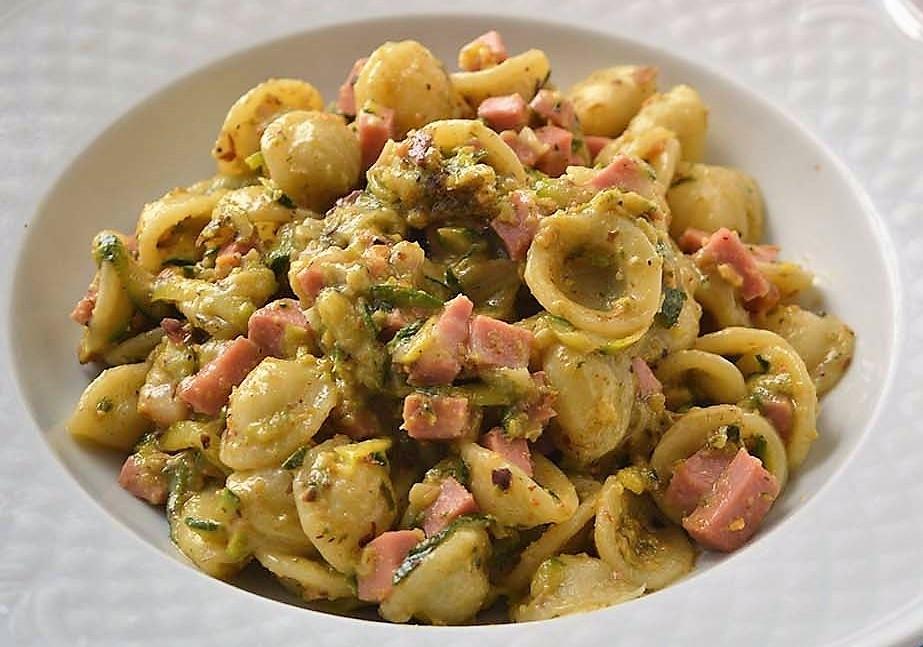 pasta-con-mortadella-e-pistacchi