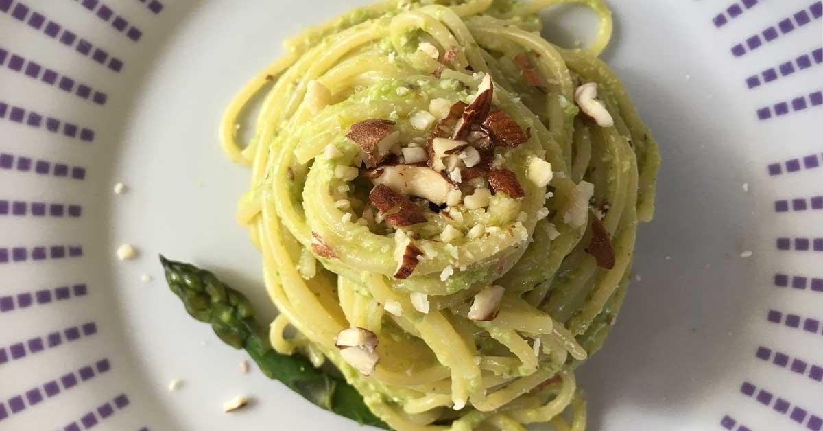 spaghetti-con-crema-di-asparagi-e-mandorle-jpeg_large