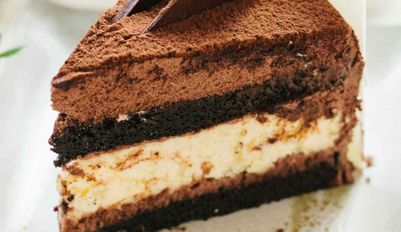 Torta-tiramisu-fondente-fredda-ricettasprint